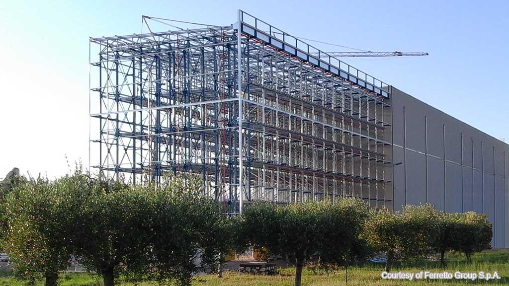 Самоносещи складови конструкции